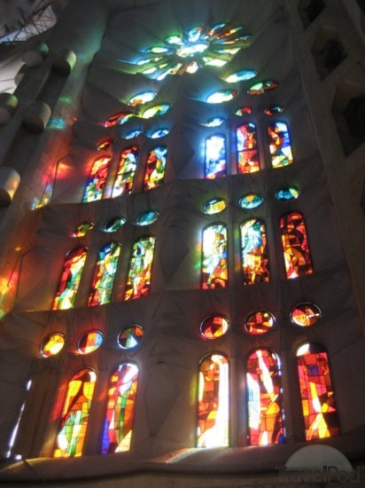 sagrada-familia-stained-glass-windows-barcelona